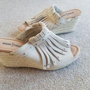 Minnetonka Tan Suede Espadrille Fringe Sandals 8
